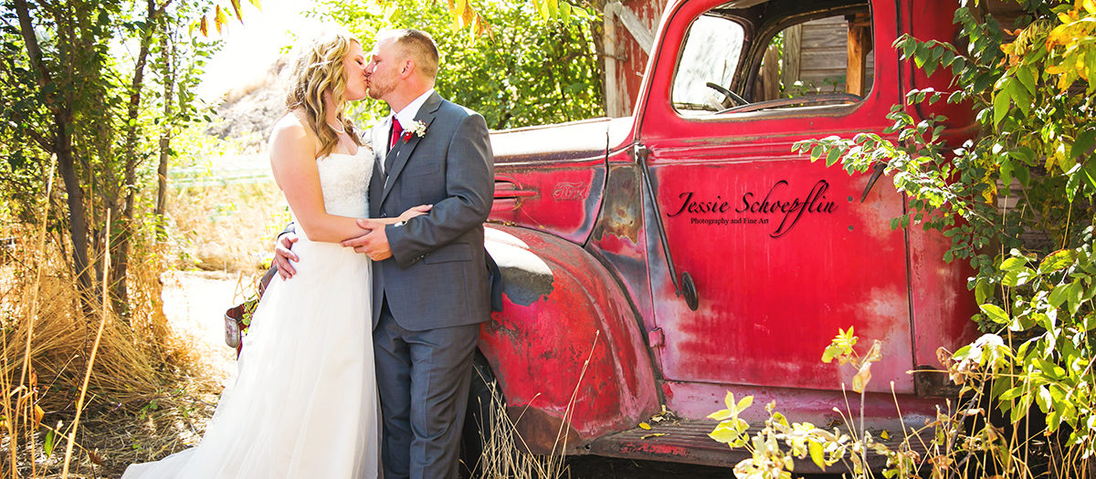 Quaint Backyard Colorado Wedding - The Sparers
